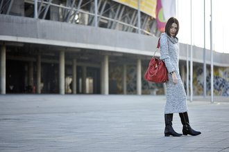 blogger shiny sil red bag sweater dress