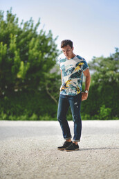 scout sixteen,t-shirt,shoes,jewels,menswear,summer outfits,jeans,tropical,green,yellow,hipster,blogger,watch