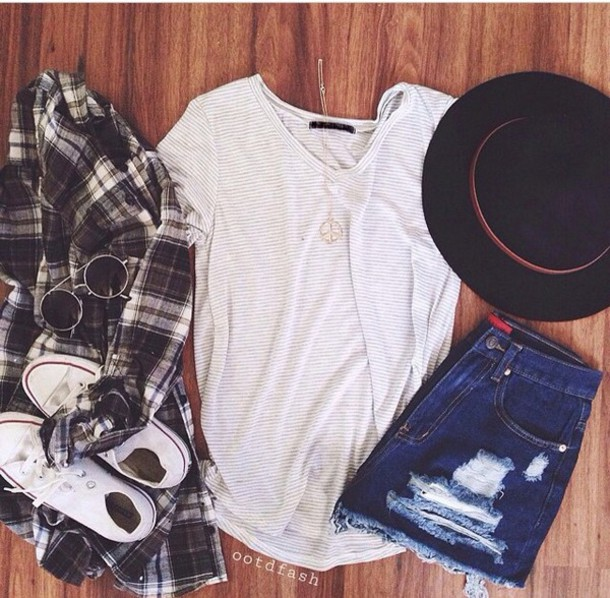t-shirt shorts converse hat