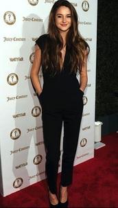jumpsuit,black,cute,beautiful,top,elegant,classy,shailene woodley,black jumpsuit,plunge neckline,plunge v neck,celebrity,celebrity style,celebstyle for less,red carpet