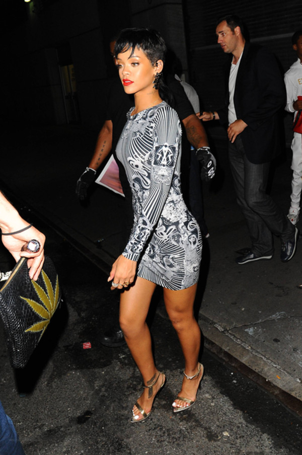 dress black white trippy mini dress rihanna bag