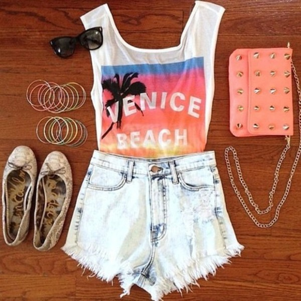 t-shirt bag shorts jeans shirt shoes jewels beach shirt palm tree print tank top top