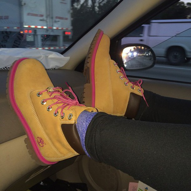 shoes timberlands with pink trim