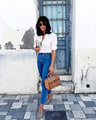 lefashion blogger top blouse jeans basket bag white shirt sandals skinny jeans summer outfits