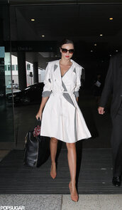 coat,trench coat,miranda kerr,celebrity style,grey,elegant,streetwear,shot from the street,model off-duty,model,fall outfits