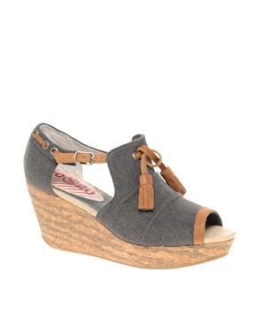 """Chaussures en toile dã©lavã©e avec talons compensã©s en liã¨ge et nå""""ud en cuir chez asos"""