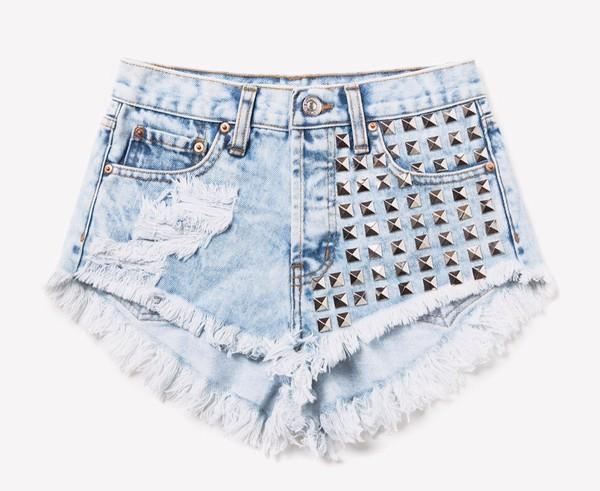 shorts distressed shorts studded shorts denim shorts levi's shorts summer outfits frayed shorts spring break studs ripped shorts