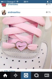 jewels,nike pink heart snickears accessoire