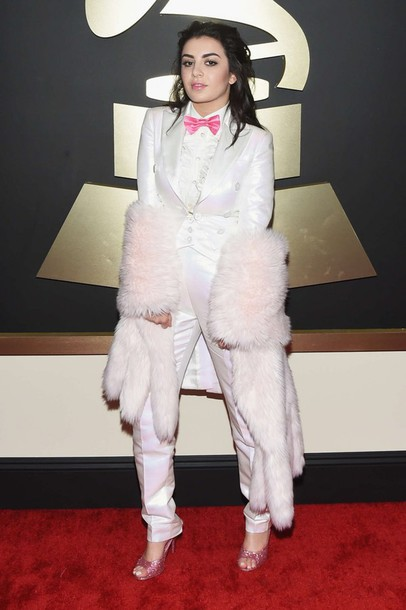 coat pants suit grammys 2015 charli xcx white pants white blazer blazer sandals glitter shoes baby pink sandals singer