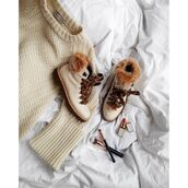 shoes,tumblr,nude sweater,sweater,nude boots,furry boots,flat boots,winter boots,make-up,makeup brushes,lipstick
