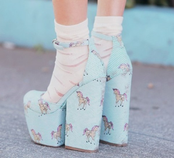 shoes туфли kawaii blue unicorn high heels platform shoes unicorn pony high heels pink high heels baby heels heels baby blue vintage blue light blue cute high heels unicorn shoes cute lovely socks jeffrey campbell