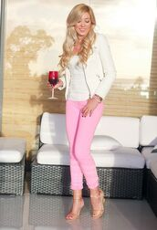 pants,pink pants,pink capri pants,top,white top,jacket,white jacket,sandals,nude sandals,spring outfits,casual friday