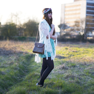 andy sparkles blogger crochet kimono brown leather bag ruffle