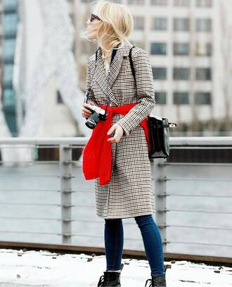 coat tumblr fashion week 2017 streetstyle printed coat sweater red sweater bag black bag denim jeans blue jeans skinny jeans camera