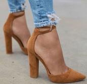shoes,tan,tan heels,high heels,tan high heels,black heels,toe covering heels,tan block heels,block heels