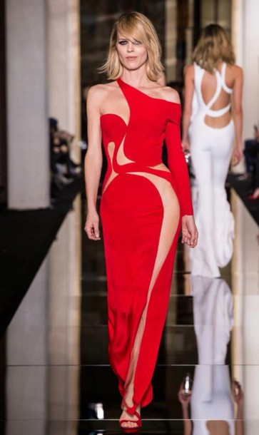 versace luxury red dress model fashion week 2015 dress