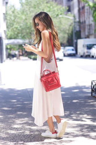 something navy blogger backless dress summer dress red bag eline bag stan smith