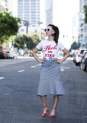 inspades,blogger,t-shirt,skirt,shoes,jewels,sunglasses