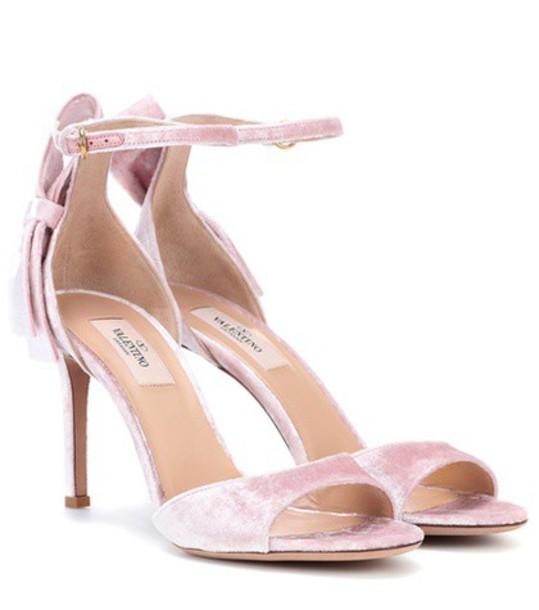 Valentino Garavani velvet sandals in pink