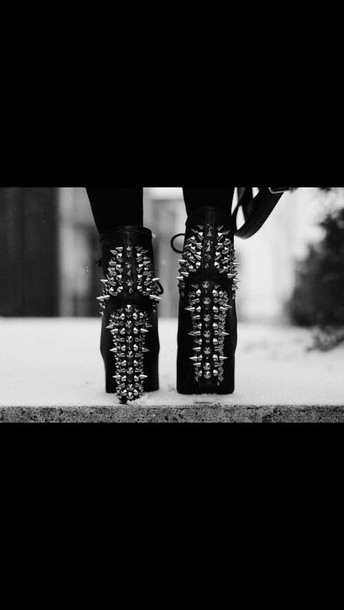 shoes black boots