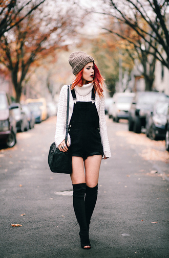 le happy blogger sweater shoes bag hat beanie overalls thigh high boots boots shoulder bag