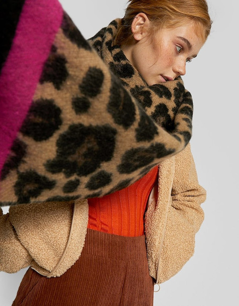 Stradivarius Fuchsia And Leopard Print Scarf In Brown