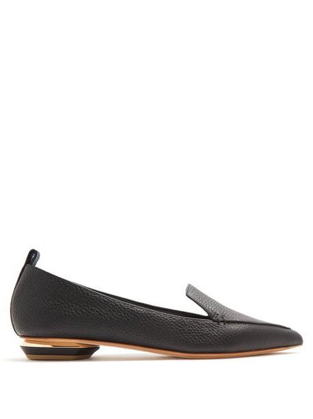 Nicholas Kirkwood - Beya Point Toe Grained Leather Loafers - Womens - Black