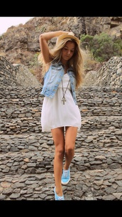 dress,white dress,blue sneakers,statement necklace,hat,blonde hair,summer dress,summer outfits,denim vest,shoes
