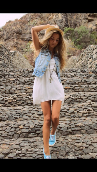 dress white dress blue sneakers statement necklace hat blonde hair summer dress summer outfits denim vest shoes