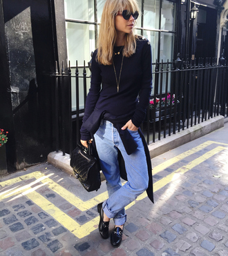 look de pernille blogger jeans patent leather quilted bag