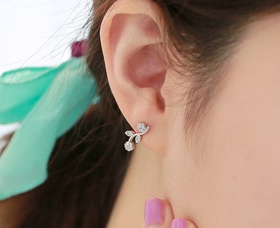 Flowers And Leaves Earrings - Wishbop.com