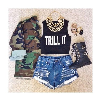 jacket top camouflage quote on it black and white gold chain ripped shorts