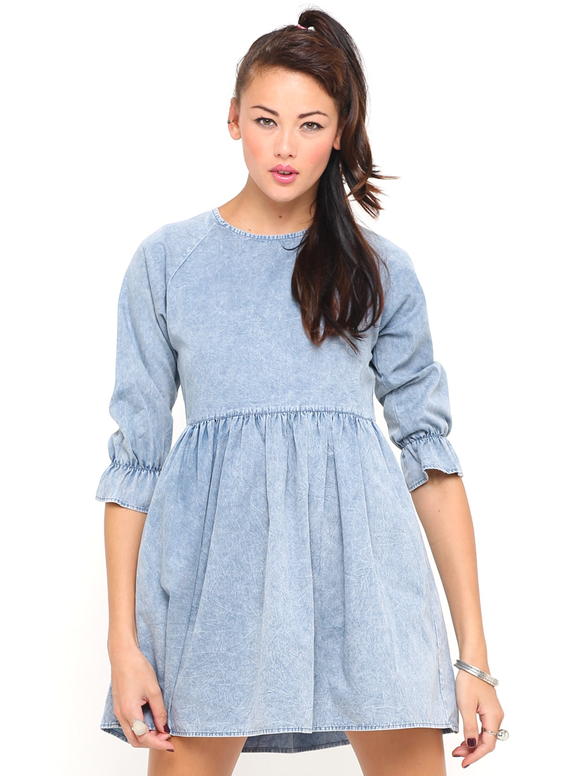 Buy Motel Verve Smock Dress in Blue Wash Denim at Motel Rocks