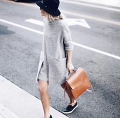 dress,dress t-shirt,grey sweater,grey dress,pullover,blog de betty,happily grey,zara,zara dress,instagram,grey,pattern,black shoes,hat,brown bag,new york city,street,style,outfit,office outfits