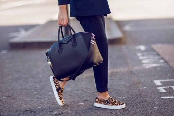 shoes leopard shoes leopard print white bag fashion cute spring summer clothes leopard print sneakers black sneakers pants blogger vans leopard print stylish classy low summer sneakers class