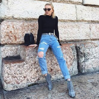 jeans tumblr black top long sleeves ripped jeans blue jeans cuffed jeans boots silver shoes mid heel boots bag sunglasses black sunglasses cat eye