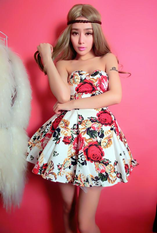 Slim tube top puff bustier dress