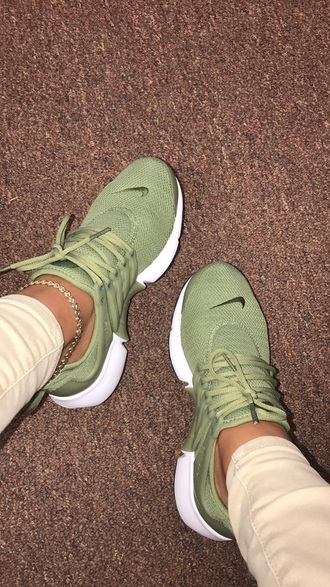 shoes olive green nike running shoes