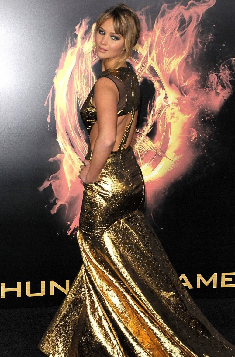 2014 Jennifer Lawrence Dresses Mermaid Scoop Hollow Floor Length Gold Satin Celebrity Dresses-in Celebrity-Inspired Dresses from Apparel & Accessories on Aliexpress.com