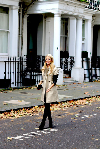 clutch blogger krystal schlegel trench coat beige
