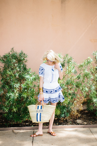 luella & june blogger sunglasses dress jewels bag shoes white top aviator sunglasses blue top blue skirt white skirt beach bag summer outfits beach