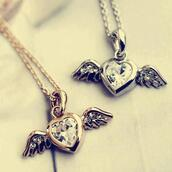 jewels,gold,sliver,angels wings,heart,necklace,jewelry
