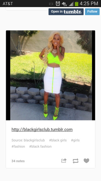skirt summer 2014 spring outfits trending springtime bright colors chunky heel solange springtime fly springtime bright colorful heels neon ankle shoes heels spring 2014 neon trend trending now green khole kardashian white pencil skirt bright crop tops bright neon pumps racerback tanktop shoes pencil skirt