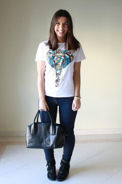 Bag T Shirt Jeans Clothes Outfit Blogger Bracelets