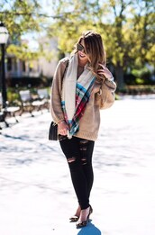 herestheskinny,blogger,sweater,jeans,scarf,shoes,bag,sunglasses,jewels,make-up,beige sweater,leopard print high heels,black jeans