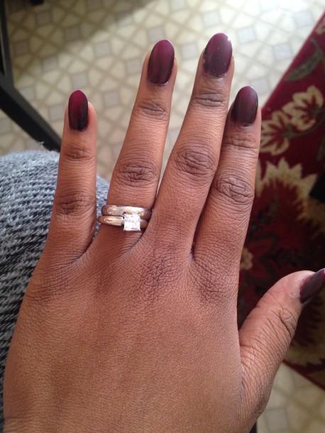 nail polish reddih black