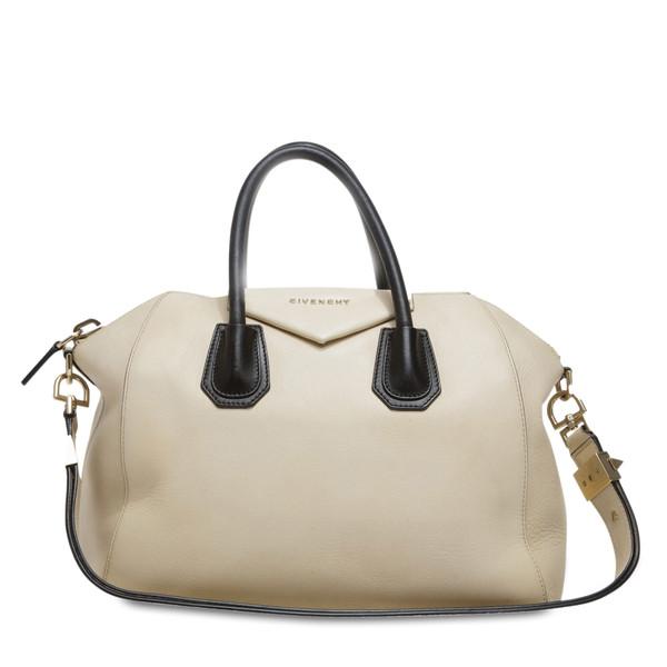 Antigona bag leather medium