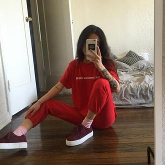 shoes burgundy platform shoes beautiful t-shirt t-shirt red the americain dream