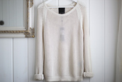 sweater,knit,light,light weight,cream,loose,white,clothes,beige,loose fit sweater
