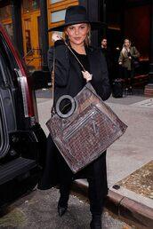 bag,chrissy teigen,model off-duty,fall outfits,hat,celebrity